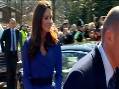 the duchess of cambridge arrives at east anglia childrens hospice. - east anglia stock-videos und b-roll-filmmaterial
