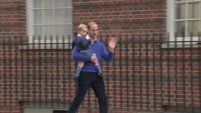 the duchess of cambridge gives birth to a baby daughter. shows exterior shots prince william arriving at st mary's hospital & walks into building... - 2015 stock videos & royalty-free footage