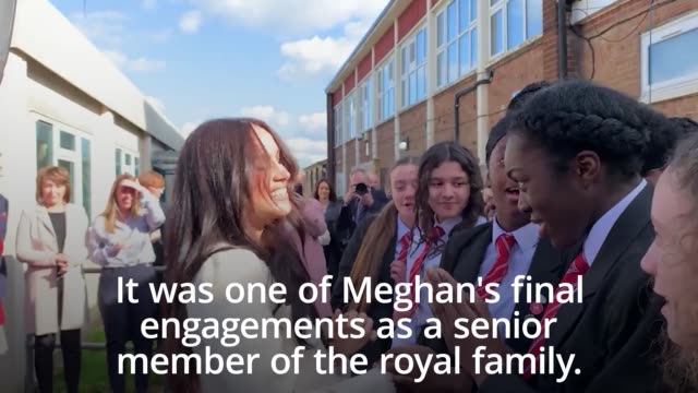 the duchess of sussex made a surprise visit to a school in dagenham to commemorate international women's day in one of her last solo engagements as a... - 国際女性デー点の映像素材/bロール