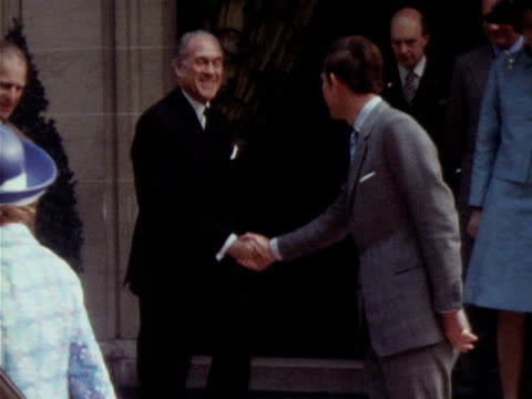 the duchess of windsor bids farewell to the queen prince philip and prince charles following their visit to see the duke of windsor 1972 - wallis simpson stock videos & royalty-free footage