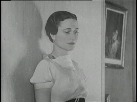 the duchess of windsor wallis simpson poses against a wall for a photograph - wallis simpson stock videos & royalty-free footage