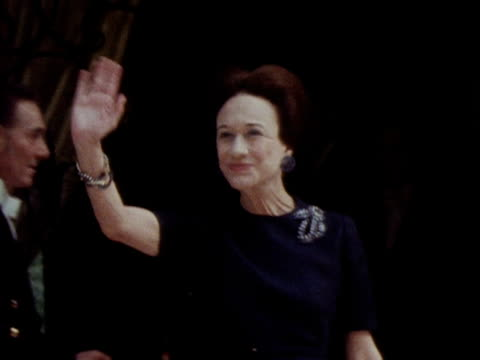 the duchess of windsor waves to photographers following the queen's visit to her home 1972 - wallis simpson stock videos & royalty-free footage