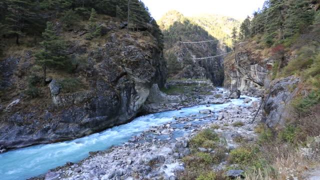 the dudh koshi river valley, sagarmatha national park, himalayan mountains, nepal - ravine stock videos & royalty-free footage