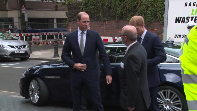 the duke of cambridge prince harry on september 05 2017 in london england - prinz william herzog von cambridge stock-videos und b-roll-filmmaterial