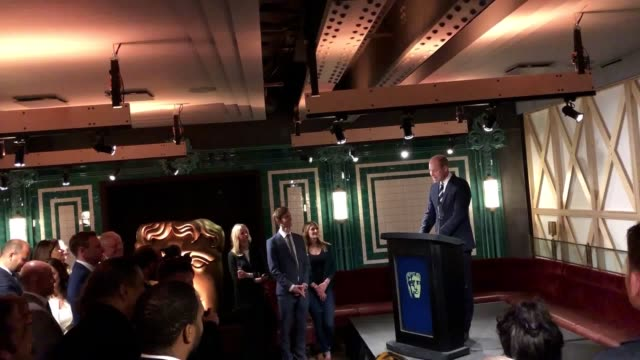 vidéos et rushes de the duke of cambridge was given a chilling memento after opening bafta's new exhibition in central london celebrating award-winning films, television... - television game show