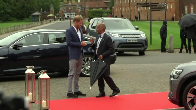 the duke of sussex arrives at the sentebale audi concert at hampton court palace - duke of sussex stock videos and b-roll footage