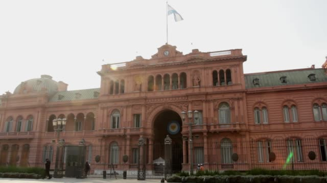 the economic cabinet of the argentine government meets at casa rosada in buenos aires august 5 2020 after the agreement reached yesterday with the... - casa rosada stock-videos und b-roll-filmmaterial