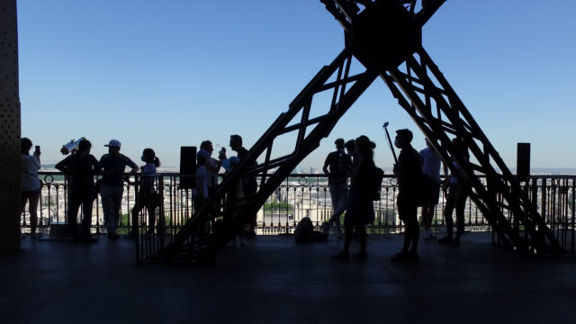 the eiffel tower reopens to the public on june 25 2020 in paris france people on the second floor of the eiffel tower - city break stock videos & royalty-free footage