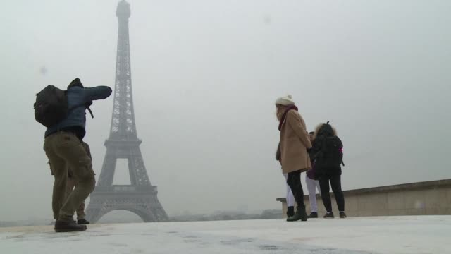 The Eiffel Tower was closed to visitors this morning because of the snow falling on the capital according to the official account of the Parisian...