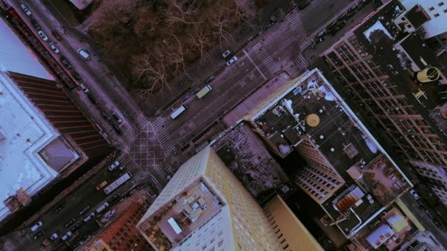 den erhöhten panoramablick auf manhattan downtown new york city - 360 grad panorama stock-videos und b-roll-filmmaterial
