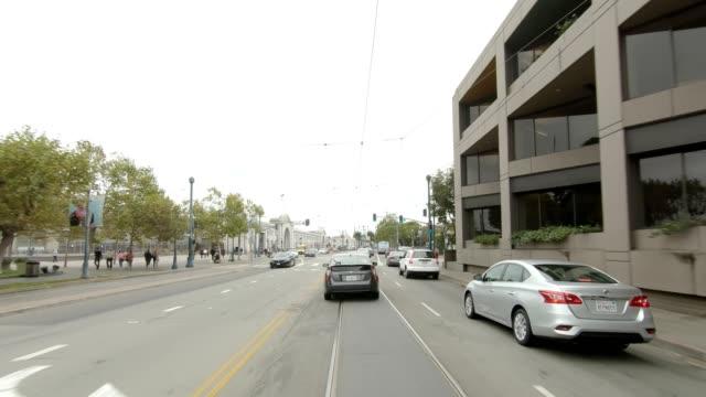 sf den embarcadero xxvi synkroniserade serien främre visa körning process skylt - trådbuss bildbanksvideor och videomaterial från bakom kulisserna