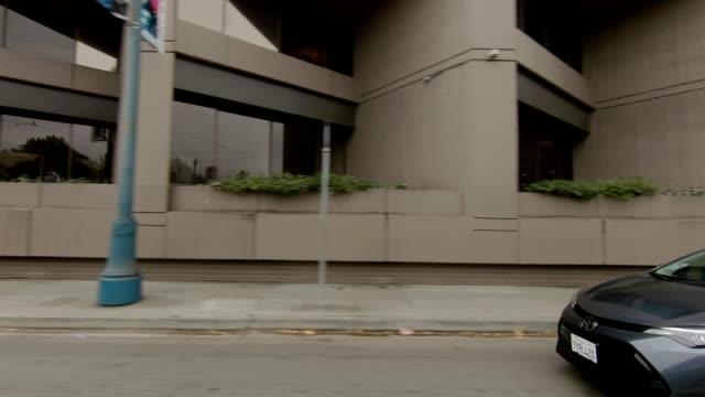 sf den embarcadero xxvi synkroniserade serien höger visa körning process skylt - trådbuss bildbanksvideor och videomaterial från bakom kulisserna