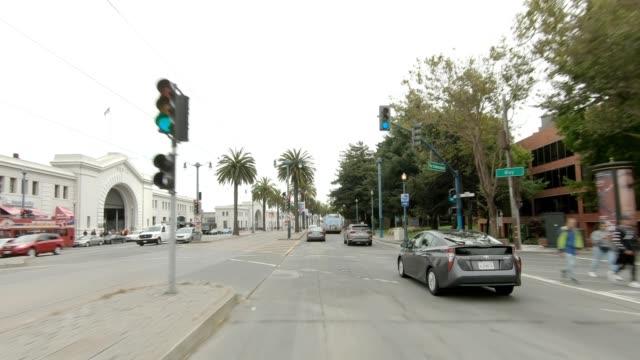 sf den embarcadero xxvii synkroniserade serien främre visa körning process skylt - trådbuss bildbanksvideor och videomaterial från bakom kulisserna