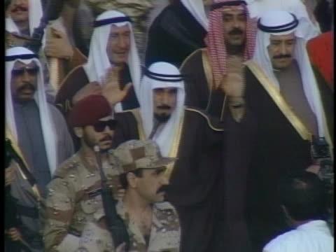 the emir of kuwait returns to his home country following the persian gulf war. - シャイフ点の映像素材/bロール