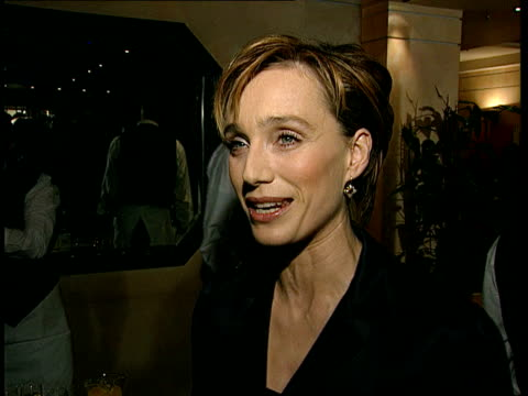 vídeos y material grabado en eventos de stock de kristin scott thomas intvw fact that its got 12 nominations is pleasing ralph fiennes intvw was good script/ deserved to be made anthony minghella... - clive anderson