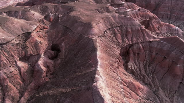 vídeos de stock e filmes b-roll de the eroded clay canyons nearby cameron, arizona - sudoeste dos estados unidos