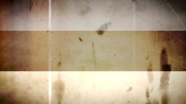 vídeos de stock e filmes b-roll de a bandeira da estónia-grunge retro ansa de filme - fuga de luz