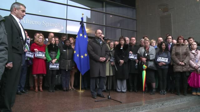 vídeos de stock e filmes b-roll de the eu flew flags at half mast and observed a minutes silence on thursday to honour the 12 people killed in the islamist attack on the charlie hebdo... - sátira