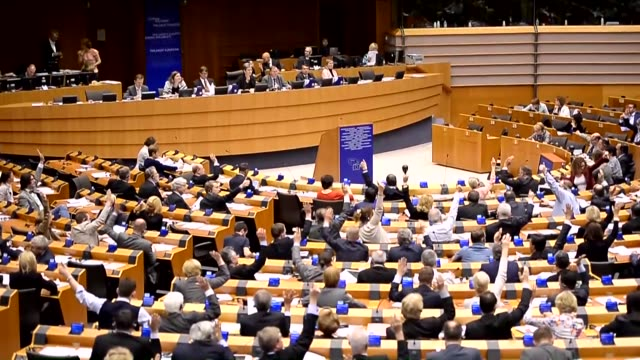 vídeos y material grabado en eventos de stock de the european parliament has adopted a resolution that recognizes the 1915 events affecting armenians as genocide in brussels on april 15 2015... - parlamento europeo