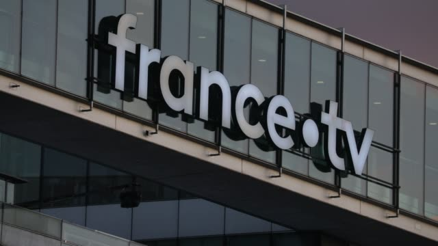 the exterior of the french state owned television channel 'france tv' head office building on october 15, 2020 in paris, france. - radio och tv utsändning bildbanksvideor och videomaterial från bakom kulisserna