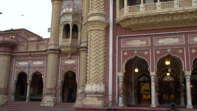 the facade of the faiz mahal, the court building of the royal palace complex in khairpur, pakistan - 1933 stock videos & royalty-free footage