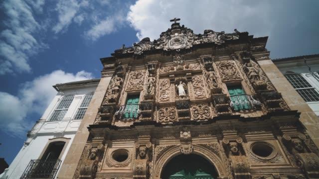 the facade of the são francisco convent in salvador da bahia, brazil - bahia state stock videos & royalty-free footage