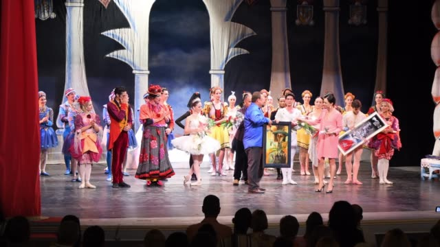 vídeos de stock e filmes b-roll de the famous cuban ballet company performs the classic 'cinderella' in the stage of the colonial 'teatro de la caridad'. the work marks the return of... - saia de bailarina
