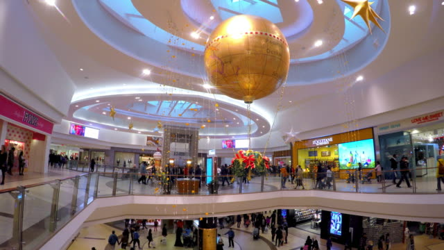 The famous place is one of the most popular shopping malls in the Canadian city Its modern architecture with skylights is a tourist attraction