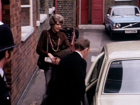 the father and aunt of the murdered nanny, sandra rivett, leave westminster coroner's court following the inquest into her death. 19 june 1975. - aunt stock videos & royalty-free footage