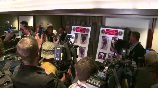 vídeos y material grabado en eventos de stock de the fbi on thursday released pictures and video of two men suspected of involvement in the deadly bomb attacks at the boston marathon appealing to... - explosivo