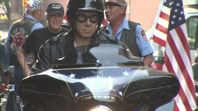 stockvideo's en b-roll-footage met the fdny motorcycle club holds a special tribute ride for fallen victims of the september 11th attacks accompanied by billy joel and paul teutul jr... - billy joel