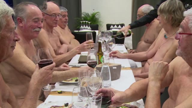 the first nudist restaurant in the french capital is being forced to close because it cannot put enough bums on seats - naken bildbanksvideor och videomaterial från bakom kulisserna