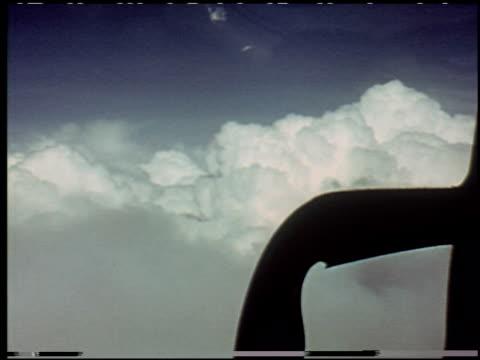 the flight decision - 14 of 14 - andere clips dieser aufnahmen anzeigen 2276 stock-videos und b-roll-filmmaterial