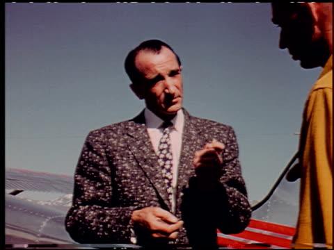 the flight decision - 4 of 14 - andere clips dieser aufnahmen anzeigen 2276 stock-videos und b-roll-filmmaterial
