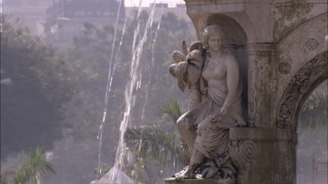 the flora fountain in south mumbai. available in hd. - fountain stock videos & royalty-free footage