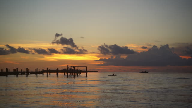 stockvideo's en b-roll-footage met de florida keys - back lit