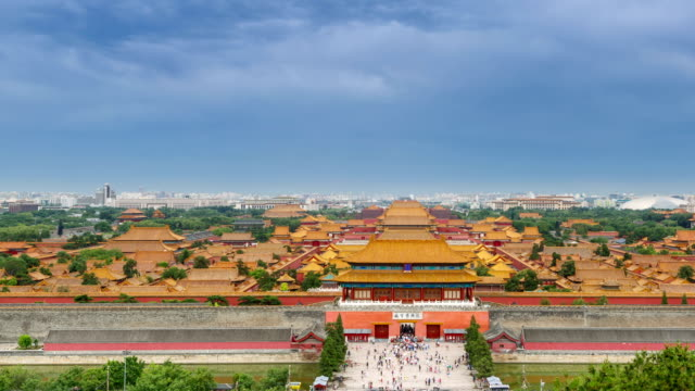 stockvideo's en b-roll-footage met t/l ws ha pan the forbidden city under rolled clouds / beijing, china - verboden stad