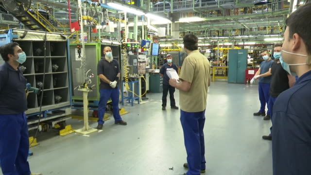 the ford spain factory has resumed its productive activity twith the application of safety and hygiene measures among the more than 4000 employees... - ford motor company stock videos & royalty-free footage