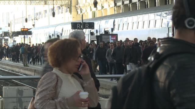 The fourth instalment of French rail strikes that began earlier this month disrupt services at Paris's usually busy Gare de Lyon with just one in...