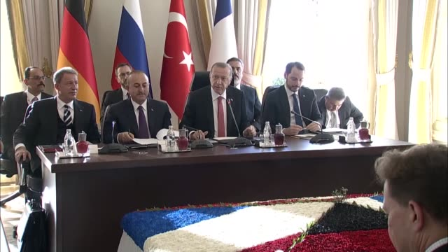 vidéos et rushes de the fourway summit on syria between turkey russia germany and france kicked off in istanbul on saturday the summit hosted by president recep tayyip... - président