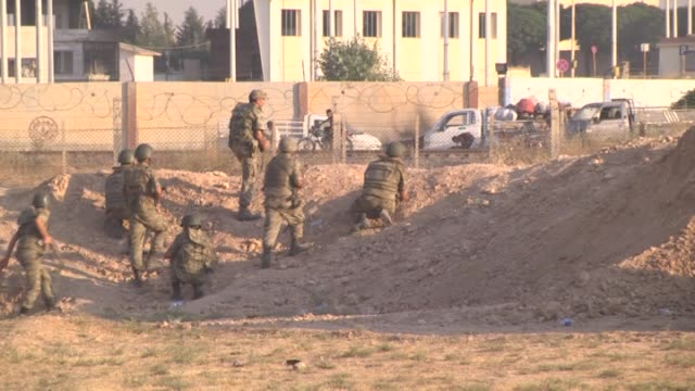 the free syrian army and the syriankurdish people's protection units on monday took control of tal abyad city which borders turkey and 2 daesh... - versöhnung stock-videos und b-roll-filmmaterial