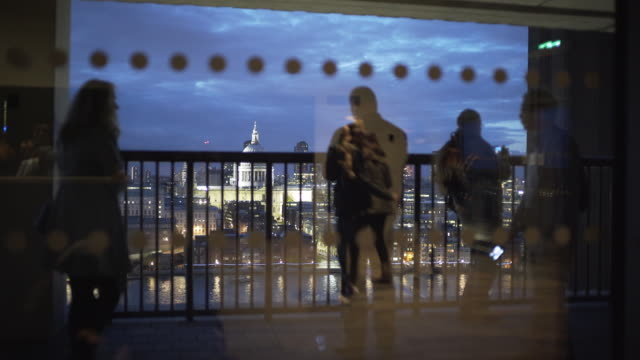 the free viewing platform at the tate modern gallery london, has spectacular views across the city. - st. paul's cathedral london stock videos & royalty-free footage