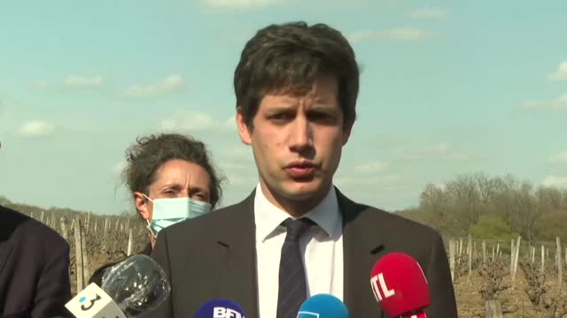 """the french government launches the """"agricultural disaster scheme"""" to help """"wine growers, arboriculturists and farmers"""" whose crops have been... - landwirtschaftsminister stock-videos und b-roll-filmmaterial"""