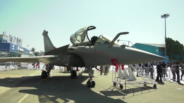 the french made rafale aircraft at the centre of an indian corruption scandal goes on display at india's major biennial air show in bangalore - fighter stock videos & royalty-free footage