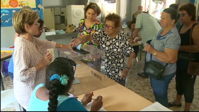 vídeos y material grabado en eventos de stock de the french pacific islands of new caledonia begin voting on whether to become an independent nation in a closely watched test of support for france... - territorios franceses de ultramar