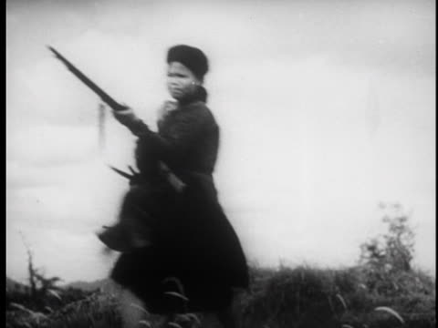 stockvideo's en b-roll-footage met the french troops are ambushed and fired upon / prisoners are taken - strohoed