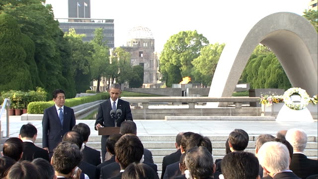 the full text of us president barack obama's speech in hiroshima on on may 27japan he stressed nuclearfree world in his speech - 原子爆弾点の映像素材/bロール