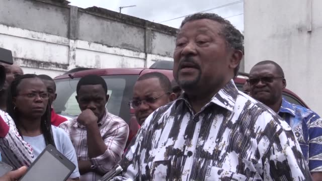The Gabonese court seized the property of the political opponent Jean Ping in a lawsuit that pits him against a close friend of President Bong
