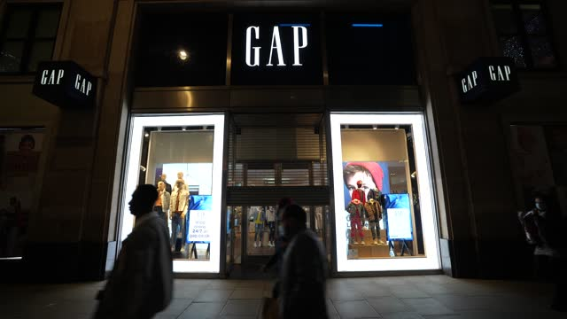 the gap store closes in shutters oxford street as the 2nd national lockdown, which was announced to imposed to stem the spread of the novel... - shutter stock videos & royalty-free footage