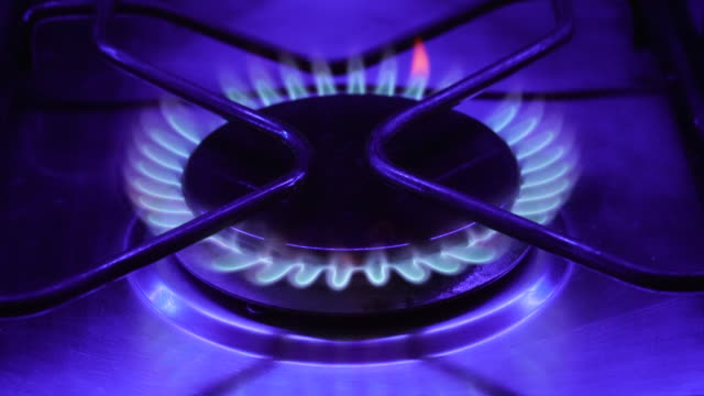 the gas hob on a cooker turning on and off - hob stock videos & royalty-free footage